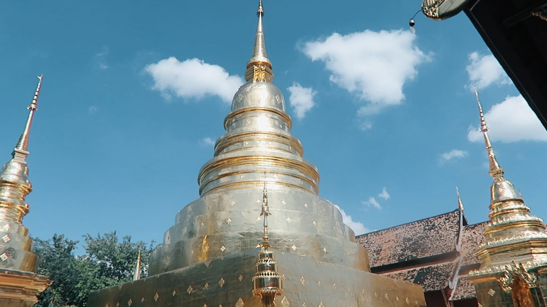 Thailand x Vlog   Sleeper Trains, Cat Cafes & Golden Temples